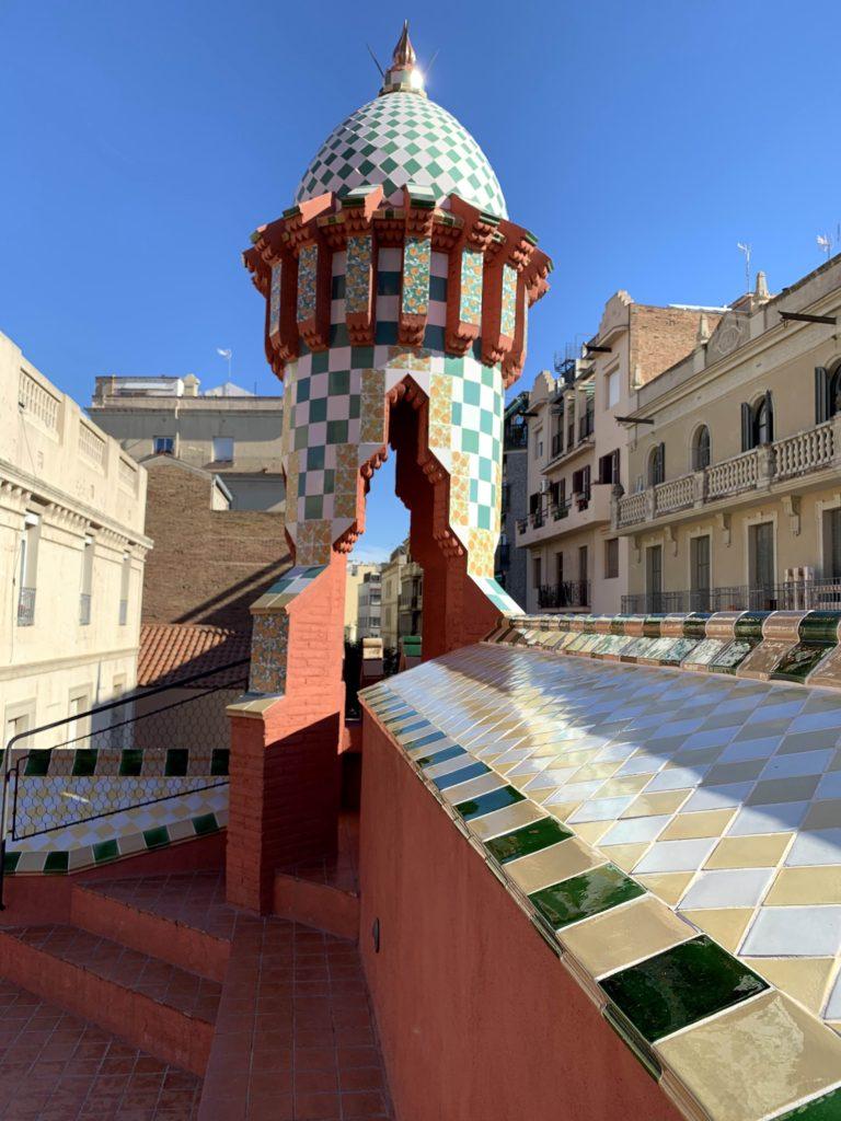 Esta imagen tiene un atributo ALT vacío; su nombre de archivo es b-terraza-y-torre-768x1024.jpg