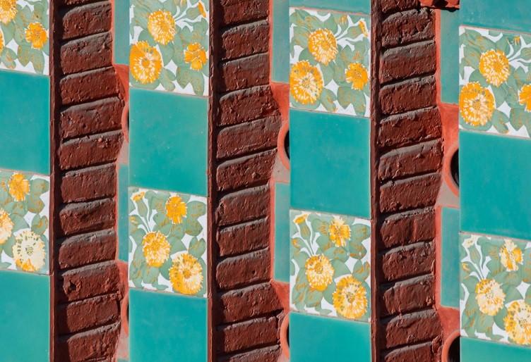 Esta imagen tiene un atributo ALT vacío; su nombre de archivo es detalle-pared-ladrillo-ceramicos-1.jpg