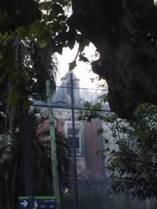La imagen tiene un atributo ALT vacío; su nombre de archivo es palacio.jpg